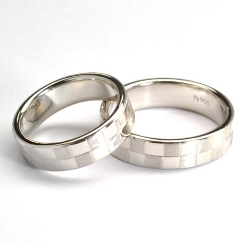 オーダーメイド・格子模様の結婚指輪